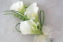 corsages / mooie minibloemstukjes voor een trouwgelegenheid of iets anders