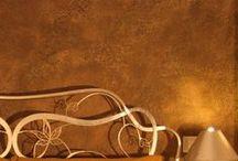 """Image of my Bed and Breakfast / Per noi il B&B nasce dalla volontà di creare """"una casa lontana da casa"""", un luogo ideale per tutti coloro che desiderano condividere in un ambiente familiare, informale, quiete e relax dove sentirsi a proprio agio e scoprire i sapori e i colori della nostra terra.  Immagini del bed and breakfast Dimora Monsignore: room, reception e breakfast."""