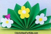 Mother's Day Crafts for Kids / Celebrate mom with fun crafts that kids can make.  Mother's Day crafts that are easy for younger children, cards and gifts for mom.