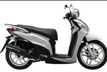 KYMCO People One 125i / People One 125i has been designed with the style conscious commuter in mind. It features a comfortable lower seat height of 760mm and larger diameter wheels, plus a 4-stroke, direct fuel injection, 2-valve engine.