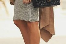 How to wear a Chanel bag! / How to wear the classic Chanel 2.55 handbag. Fashion and style looks from the street!
