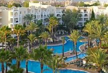 Protur Safari Park Aparthotel**** / The Protur Safari Park Aparthotel has apartments and double rooms with interconnecting doors on request, making it a perfect apartment hotel for families with children wishing to spend their holidays in Majorca.