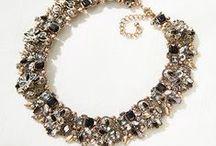Accessories & jewelries