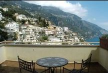 Hotel Posa Posa - Positano, Amalfi Coast / The 4-star historical Hotel Posa Posa is set in the mountain-side descending to the sea. Dècor is romantic and original, with hand painted tiling and Mediterranean colors on white backgrounds throughout the hotel room's. Situated in the centre of Positano, a 10 minutes walk downhill will take you to the beach, passing boutiques and panoramic pavement cafes along the way. A circular bus routes passes outside the hotel for those days when you might prefer not to walk.