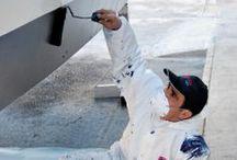 Mantenimiento de embarcaciones / Nuestro equipo técnico está a su disposición para realizar todos los servicios necesarios para su embarcación: - Reparación de fibra de vidrio - Pintura antifouling - Pulidos y encerados - Montaje y mantenimiento de teca - Limpieza interior – exterior periódicamente - Tapicería y lonas - Carpintería - Rotulaciones
