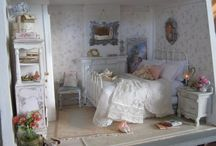 Dollhouse Bedroom / Beds, wardrobes, mirrors etc