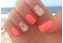 Beach Holiday Nails
