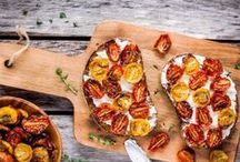 Easy Finger Foods And Appetizers To Get Dinner Started / Kick off any dinner or party with these amazing appetizer recipes. Take entertaining to a new level these fun and delicious starters.