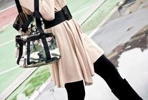 CAMOUFLAGE / Sans façons soyons nous-mêmes avec les sacs CAMOUFLAGE: confiantes et élégantes.