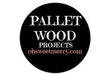 Pallet Wood Projects / Who knew you could make so many things out of a simple, wooden pallet? Lots of DIY projects here so you can pallet all the things!
