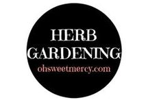 Herb Garden / Herbs are delicious and healthy and can be your best friend in a vegetable garden. You'll find pins to help you get your herb on in the garden here.