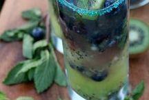 Sláinte, cheers, skoal! / Cocktail and Drinks