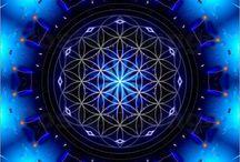 Geometry / spiral 螺旋 渦巻 幾何学模様 モアレ mandala fractal