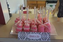 Cake pops / Baking  / by Lumy Flores