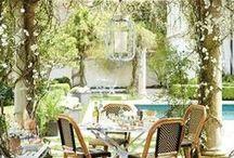 """Outdoor / giardini con piscine o piccoli balconi con fioriere..gli spazi all'aperto possono essere un vero è proprio """"gioiello"""" per una casa!"""