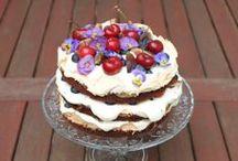 Kakkupuutarha / http://kakkupuutarha.tumblr.com  A blog about cakes, other sweet treats and flowers.