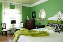 Interiores verdes / Pintura y decoración de interiores en tonos verdes