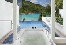 Relaxing Luxury Bathrooms / Bathrooms in which you can soak your stress away