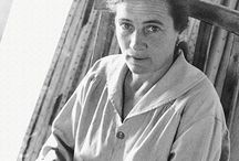 Agnes Martin Related Images