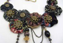 Šperky, náhrdelníky - různé