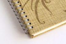 Libretas hechas con papel pintado / Libretas hechas a mano reciclando viejos muestrarios de papeles pintados.