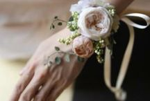 wrist bouquet / wrist bouquet