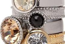 Jewels, jewels, jewels... / by Lorenza Echeverría