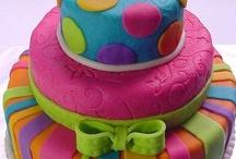 Cakes, amazing cakes... / by Lorenza Echeverría