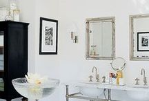 Black and White Decor / If you're looking for a high-contrast color scheme in your decor, try these black and white combinations to bring your design to a new level.
