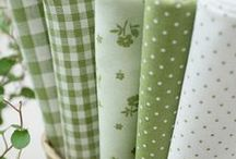 Quilting Fabrics Greens / Fabrics for quilting and sewing in greens and green florals