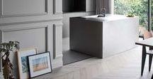 Interior in Grey / Grau ist in der Einrichtung ein Alleskönner. Es passt fabelhaft zu Holz, Kupfer, Rose Quartz, Schwarz und Weiß und wirkt beruhigend und neutral.