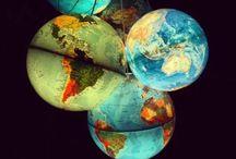 Globes, Maps, etc. / Des globes terrestres, des mappemondes, des planisfères...