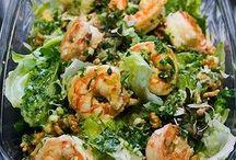 Saladas, farofas e entradas...