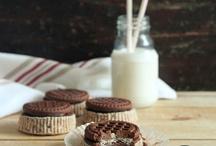 SWEET   cookies / got milk?