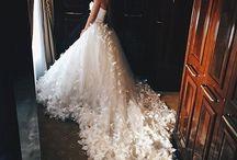 | AMAZING DRESSES |