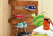 Pallet Shoes / Beautiful Wood pallet shoes racks, pallet boot rack, pallet shoe rack bench, pallet shoe shelf design ideas for your home.