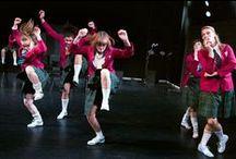 Scènefoto's Wild Thing / Bekijk hier de scènefoto's van de dansvoorstelling Wild Thing van Maas theater en dans!