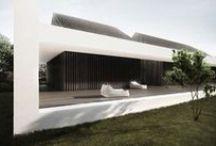 buiten HUIS / kleinere huizen onder architectuur gebouwd