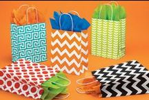 Paper Shopping Bags / Bulk wholesale shopping bags and gift bags to retail and business. Colorful coordinates and themes