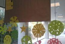 El LABoratori 2013-2014 / Un nuevo espacio en la Biblioteca para experimentar y crear juntos. Os animamos a aprender a través del cambio, la diversión y el juego. Las exhibiciones irán variando para reflejar la diversidad de la comunidad. Siempre te permitirán involucrarte para facilitar tu aprendizaje permanente en destrezas conocidas o desconocidas a través de la imaginación y la creatividad.