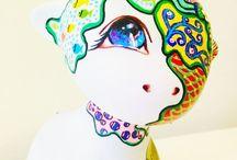 Munny Toy Art / Munny, Foomi, Raffy,... pintados a mano, por la artista P.Villarrubia In our blog, we tell you how to customize your munny, follow us on: www.facebook.com/bellasartesvillarrubia www.academiadibujopintura.com