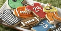 Super Cute Football Food that I Will Never Make Because I'm Lazy / I like to cook cute things, but on game day? You must be joking. M needs a kitchen slut who doesn't like football for #SuperBowlSunday so we can have some of these adorable snacks!