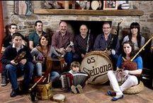 » Galería / Mostrámoslle a continuación unha serie de imaxes que ilustran diversos momentos da traxectoria da familia Seivane e a súa relación co mundo de gaita e o folclore galego e a súa evolución ao longo dos últimos 50 anos.