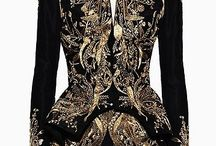 Black and gold / The of Glamorous, Sophistication of Black with Gold. Coco knew.... Timeless !