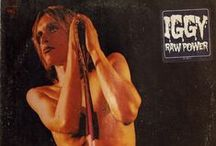 Mick Rock - Album Covers / https://oigofotos.wordpress.com/2015/10/08/raw-power-iggy-pop-y-mick-rock-el-encuentro-de-dos-bestias-a-traves-de-un-objetivo-ana-curra-dixit/