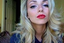 Blond / Lisa when she had blond hair. :) <3