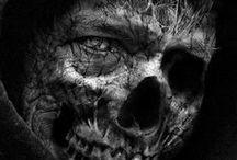 """Terror, Horror Two... / Desde que existe el ser humano existe el miedo, uno de los sentimientos más fuertes, y por lo tanto el horror y el terror. De acuerdo con H.P. Lovecraft: """"El miedo es una de las emociones más antiguas y poderosas de la humanidad, y el miedo más antiguo y poderoso es el temor a lo desconocido""""  Sentimiento de gran miedo y repulsión causado por algo terrible o repugnante."""