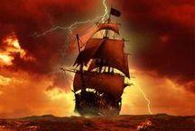 """Navium Secundo / """"Navega, velero mío,  sin temor,  que ni enemigo navío,  ni tormenta, ni bonanza  tu rumbo a torcer alcanza,  ni a sujetar tu valor.  Veinte presas hemos hecho  a despecho  del inglés,  y han rendido  sus pendones cien naciones  a mis pies.  Que es mi barco mi tesoro,  que es mi dios la libertad,  mi ley, la fuerza y el viento,  mi única patria, la mar."""" [...]"""