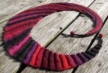 Afghans, blankets and shawls / mostly crochet / by Pawel Dolatowski