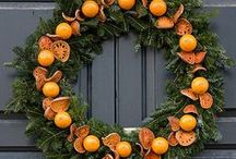 Dried Orange Slices Decoration / Christmas floral designs using dried orange slices for decoration. Ideas, inspiration, tutorials and more.